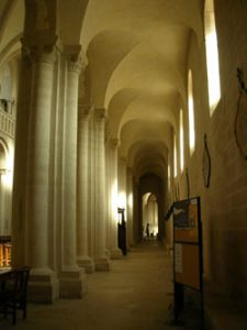 Side aisle of the Abbaye aux Dames (Caen, 1050 AD)
