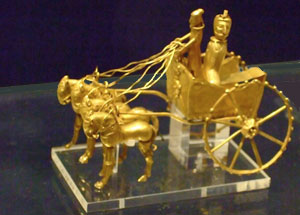 small gold model of an Indo-European chariot drawn by four horses - Yamnaya