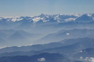 a long chain of snowy mountains: the Alps
