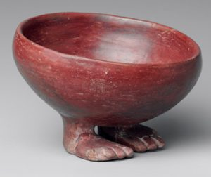Predynastic Egyptian pot with feet(ca. 3750 BC)