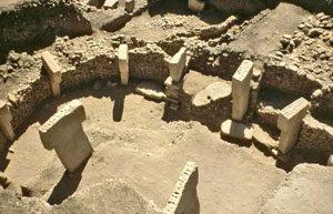 Building at Gobekli Tepe (ca. 9000 BC) - Ancient history timeline