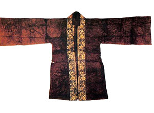 Song Dynasty (1100s AD) silk and gold woman's jacket