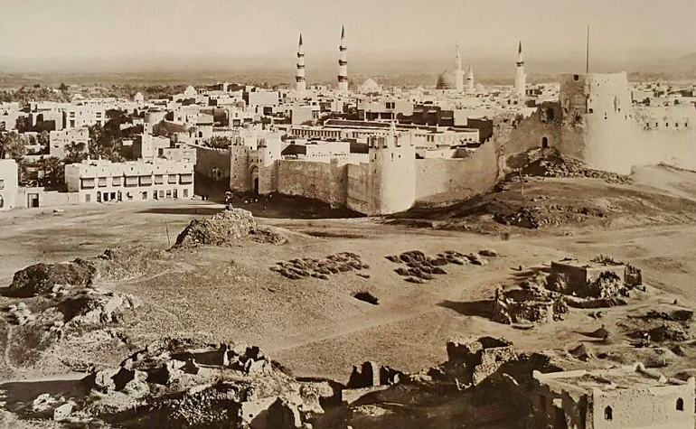 The city of Medina in the early 1900s.