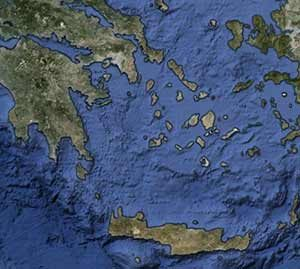Mainland Greece is on the left and Turkey is on the right,and the Greek islands are scattered between them