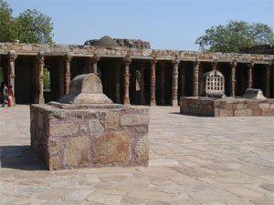 Quwat ul-Islam, Delhi, 1196 AD