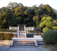 Shinto tomb of Emperor Tenmu and Empress Jito, ca. 700 AD (thanks to Takanuka)