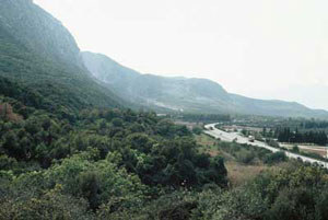 Thermopylae: a pass in the mountains