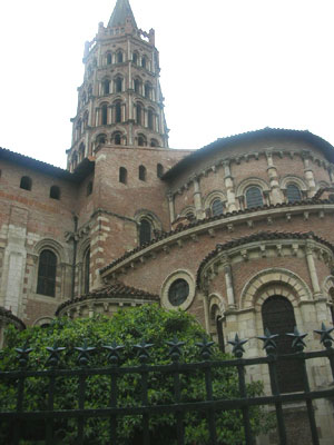 Bell tower of St. Sernin (and the apse)