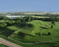 Cahokia - a Mississippian earth mound in several steps