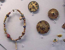 Merovingian jewelry in gold and garnets