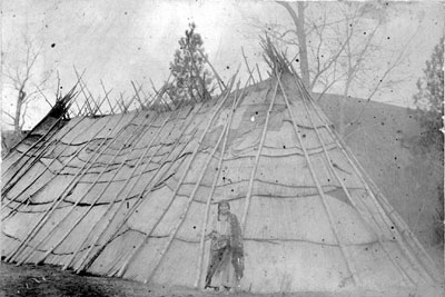 Nez Perce longhouse, late 1800s
