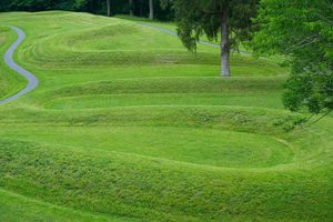 Serpent Mound (Ohio, about 500 BC?)
