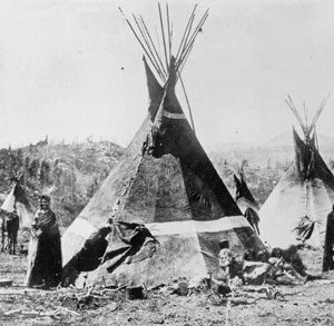 Shoshone tipis (Wyoming, 1870)