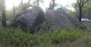 Split Rock, near where Anne Hutchinson lived