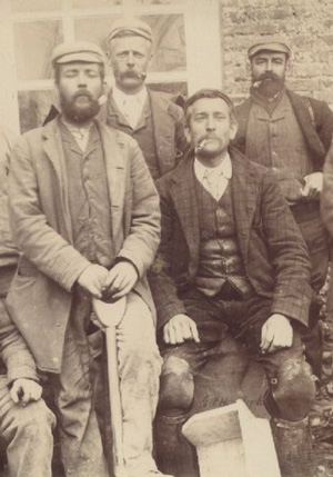 Working men in England (1870s)