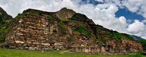 Chavin stone temple (Peru, ca. 900 BC)