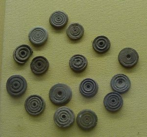 Pieces from Roman games