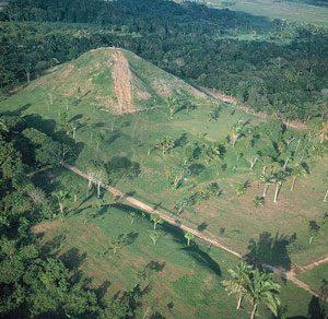 Olmec Pyramid, La Venta, Mexico (500 BC)