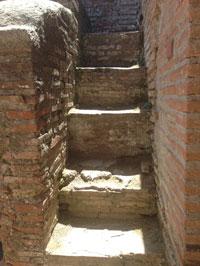 A staircase in a Roman insula (Ostia)