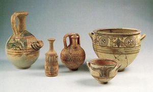 Philistine pottery (compareMycenaean Greek pottery